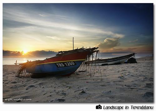 pantai teluk ketapang beach picture