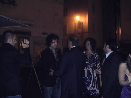 Roberto Carlino ed i giovani della notte romana da Notti Romane.