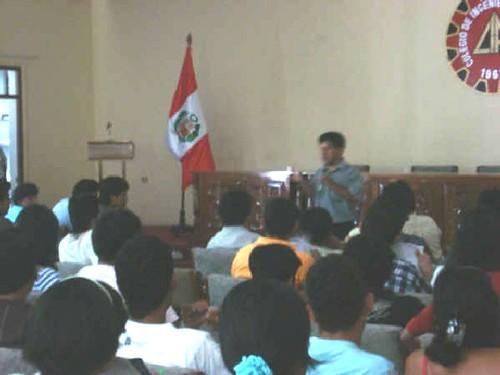 Milton Villanueva, primera conferencia