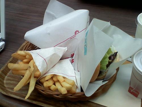 MOS Burgers set meal