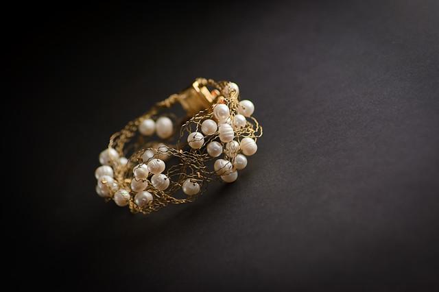 Love bracelet, by Fotografamos