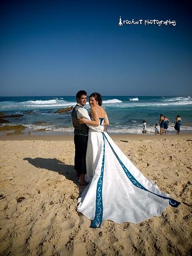 Phoebe & Nathan beach
