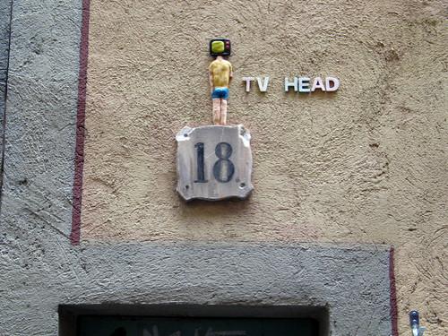 Tv Head en Riera Alta