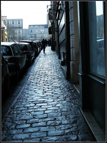 flagstone walkway @Montmartre