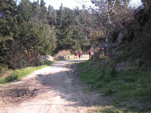 Foto 5 - Bifurcación acantilados y GR