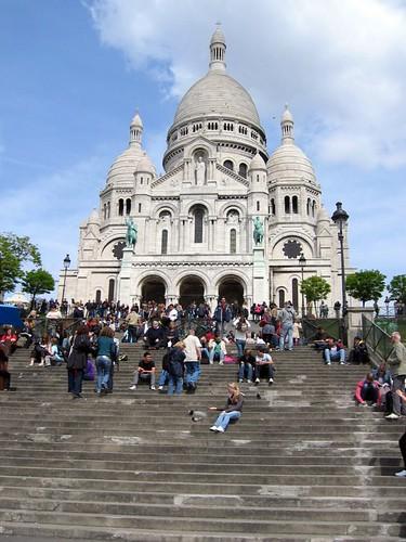Crowd at the Sacre Coeur.