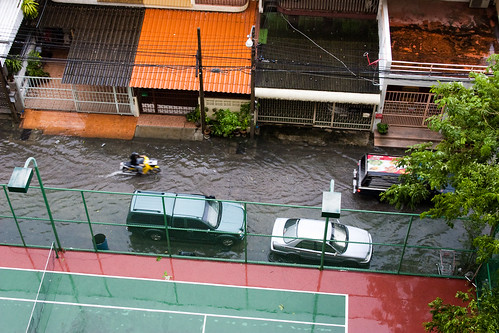 Flooding in the Soi
