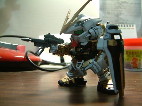 塗裝模型處女作and第二作!!BB戰士-能天使鋼彈、異端鋼彈金色機 - coastu18967的創作 - 巴哈姆特