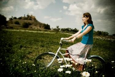 「フリー素材 女 自転車」の画像検索結果