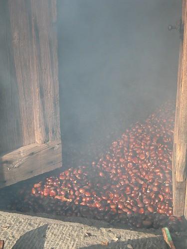 Gradile, seccatoio per castagne, foto di AlterEco