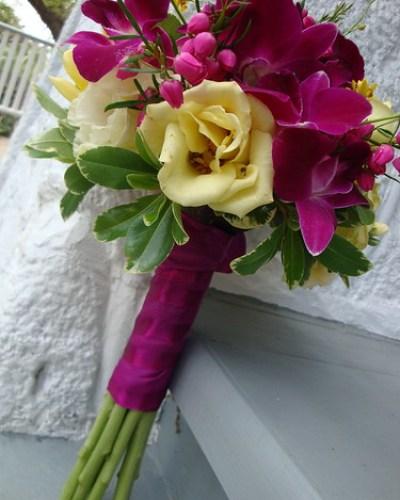 wedding flowers_bridesmaid bouquet_flower-girls bouquet_wedding bouquets_rose arrangements_preserved wedding flowers_white rose bouquets_rose bouquet