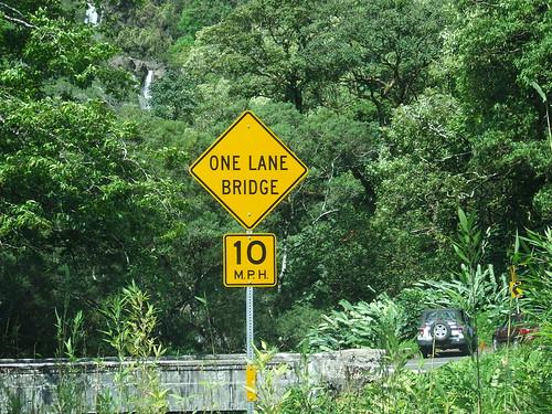ROAD TO HANA 56 ONE-LANE BRIDGES