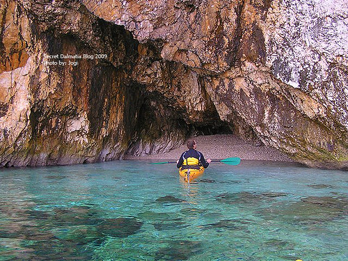 Samll cave on the northern side of Pag