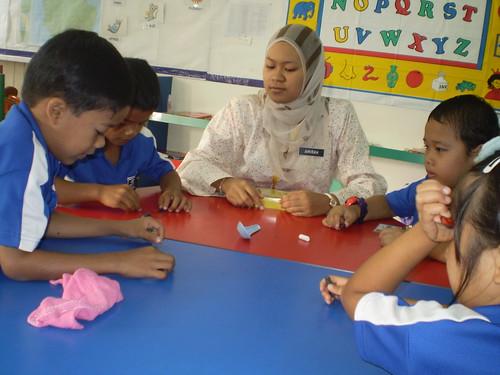 Cikgu Amirah in action