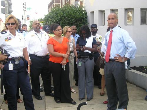 Mayor Fenty visits Park View 6/24/2009