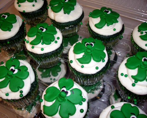 Shamrock Cupcakes for St. Patrick's Day