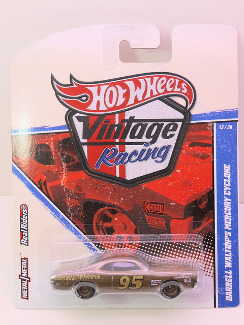 hot wheels vintage racing darrell waltrip's mercury cyclone (1)