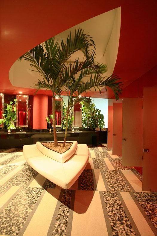 19 Nisha Acapulco - Women Restroom Palmtree Decorated