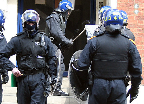G20 - Riot police storm squad