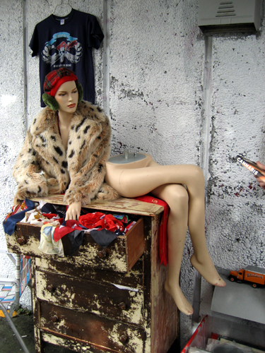 Still life with separated mannequin