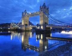 London Bridge (Tower Bridge) : Reflection on t...