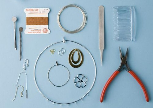 mending jewelry: tools and materials