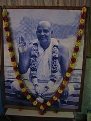 Swami Sivananda Saraswati - The Divine Life So...