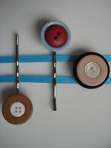 Button Hairclips and Magnet