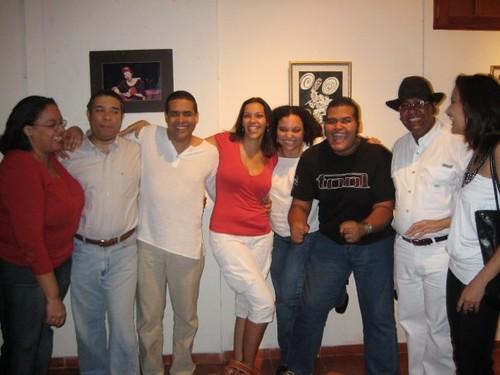 Varias generaciones del TP: De izquierda a derecha: Mayte, Guridi, Claudio, Viena, Esther, Alexéi, Carlos y Ellin.
