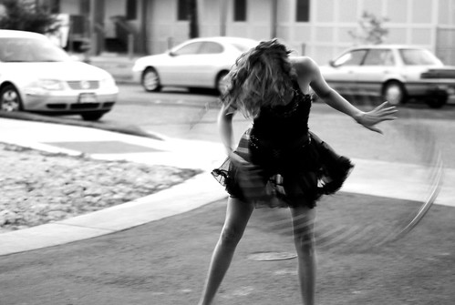 hula bow in black and white