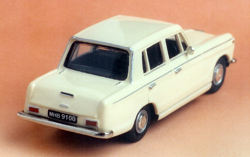 Gazel 1-43 cream rear