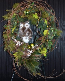 Holiday Owl Wreath  - Photo by Sharon McGukin AAF, AIFD, PFCI