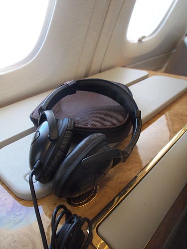 エミレーツA380ファーストクラス機内ヘッドフォン