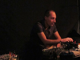 Oren Ambarchi presents 'Knots' @ Cafe Oto 12/0...