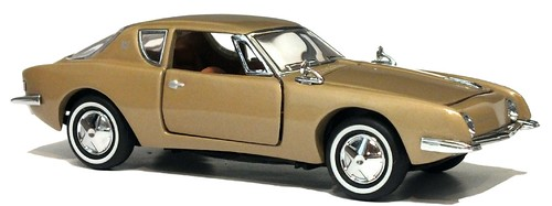 Franklin  Mint Avanti 1-43 (2)