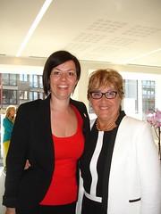 06-05-2013_MartineLesaffre Voorzitter PWA Oostende - Vanessa Vens uittredend voorzitter