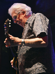 "John Mayall • <a style=""font-size:0.8em;"" href=""http://www.flickr.com/photos/10290099@N07/32245744773/"" target=""_blank"">View on Flickr</a>"