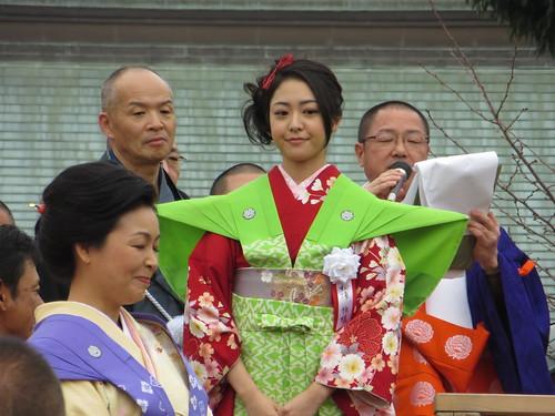 松浦雅 / Miyabi Matsuura (Actress) in Narita-san - Neyagawa, Osaka