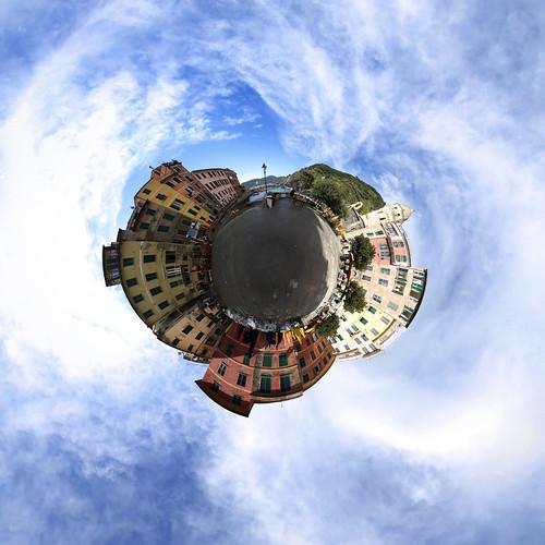Vernazza Platz - Little Planet