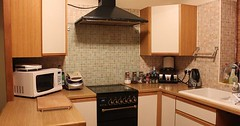 """Die Küche. Die Küchen. Eine nette, kleine Küche. Sie ist mit allem ausgestattet was man zum Kochen braucht. • <a style=""""font-size:0.8em;"""" href=""""http://www.flickr.com/photos/42554185@N00/32751362732/"""" target=""""_blank"""">View on Flickr</a>"""