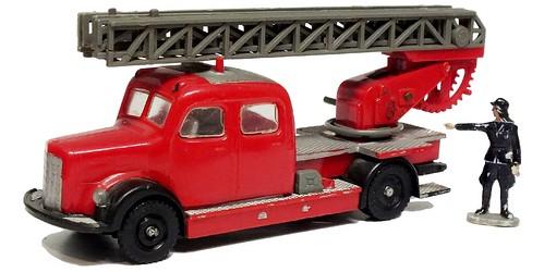Siku Mercedes 3500 pompieri