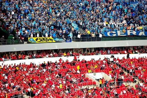 Torcidas no Gre-Nal 402 no estádio Beira-Rio