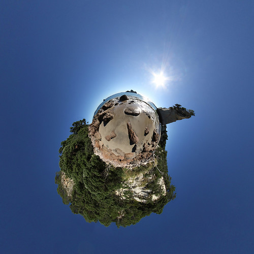 Cathedral Cove Beach - Little Planet