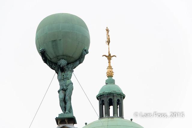 Statue (on top of De Nieuwe Kerk??), Amsterdam