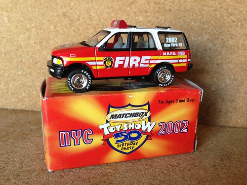 nyc2002 toyshow ny newyork mattel matchbox die cast miniature model fire straz hasici pompier pompiers bombero bomberos sapeurs sapeur feuerwehr brandweer pompieri vigili fuoco bombeiro bombeiros emergency 911 999 112 fireman firefighter firemen brigade firefighters department service fd fb sp services dept diecast metal scale models toy toys collectible collectibles vehicle vehicles miniatures car cars collectable collectables zamac