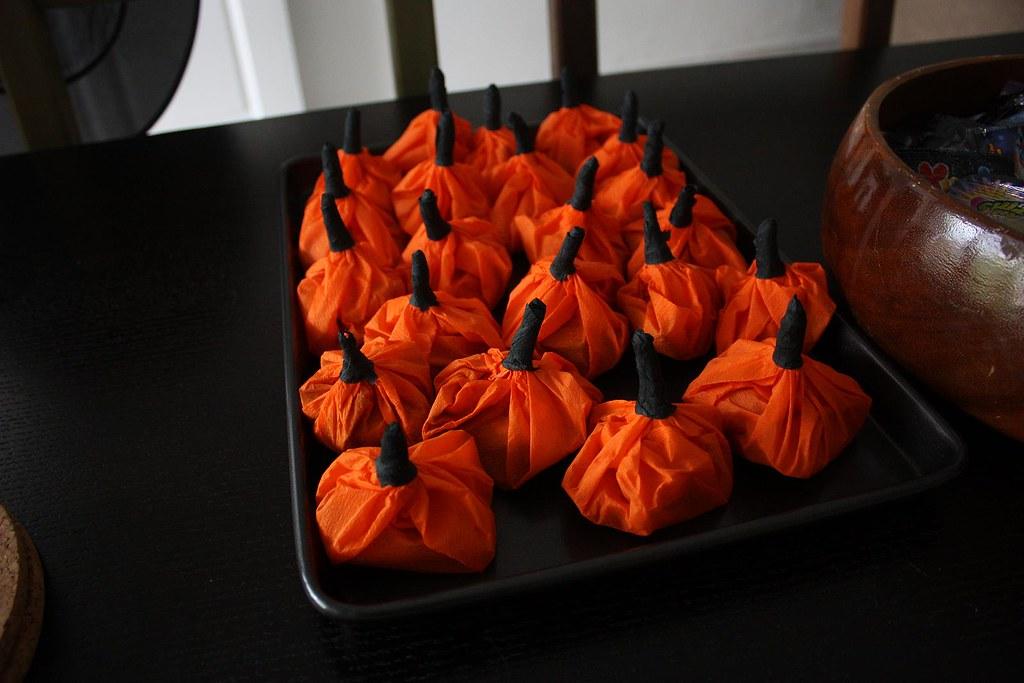 crepe pumpkins