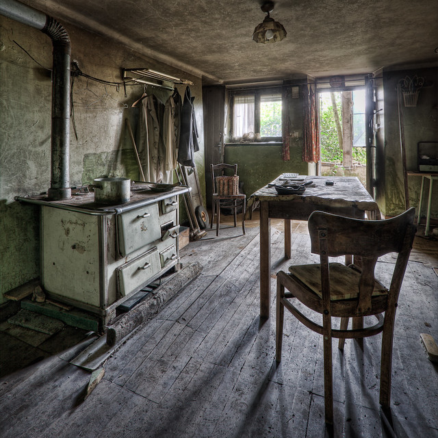 3d Interior Wallpaper Hd Old Kitchen An Old Kitchen In An Abandoned Farming House