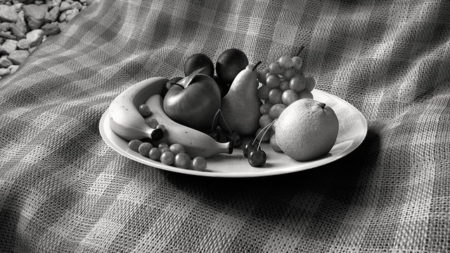 Fruit Bowl Black/White