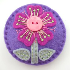 FELT FLOWER BROOCH WITH BUTTON DETAIL