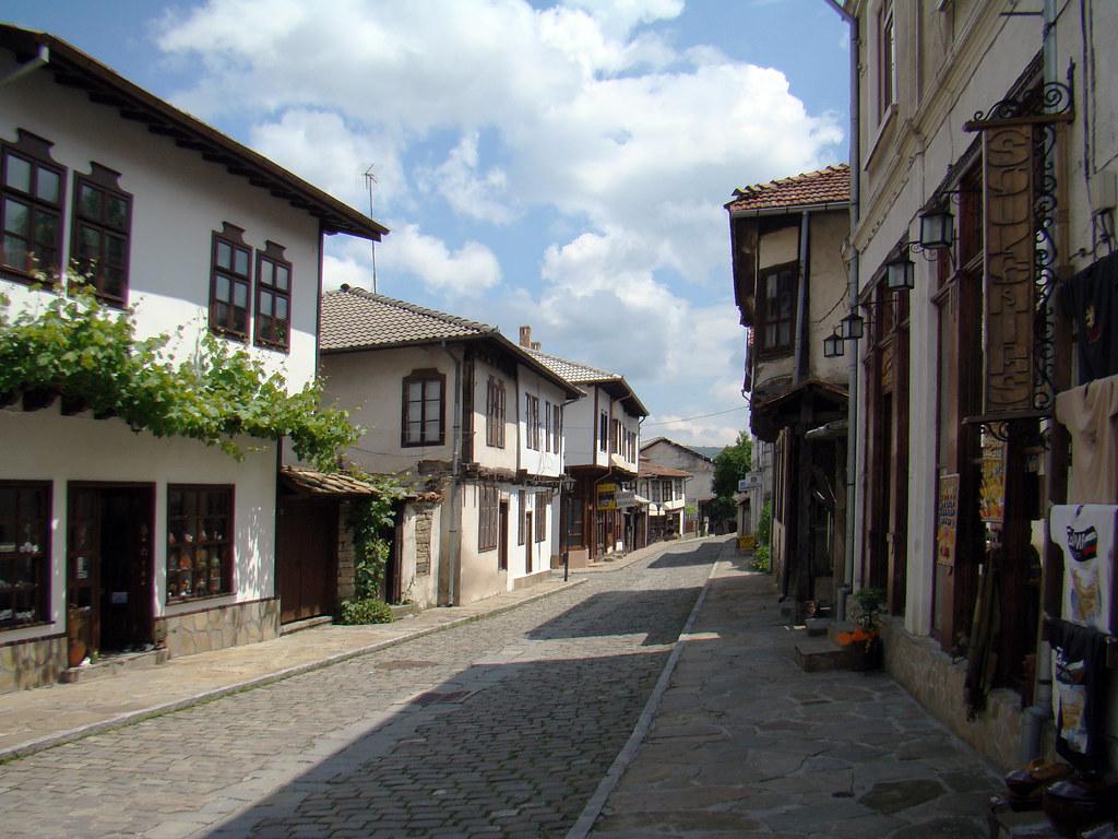 calle y casas tradicionales Tryavna Bulgaria 56